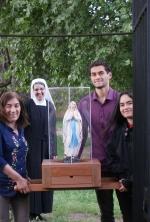 Familia Tondreaux recibe a la Virgen en su casa